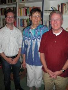 Den Vorstand von der Rogate-Initiative bilden Edmund Mangelsdorf (Vorstand), Waltraud Wendland (stellv. Vorsitzende) und Ulrich Reinfried (Schatzmeister)