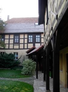 Das alte Pfarrhaus Werningshausen ist dem Kloster angegliedert.