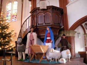 Besinnlich die Adventszeit erleben mit dem ökumenischen SMS-Kalender (Bild: Weihnachtskrippe der Banter Kirche Wilhelmshaven)